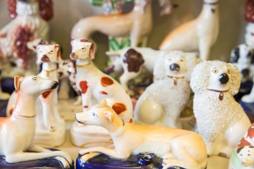 Image: Pottery dogs in the china cabinets