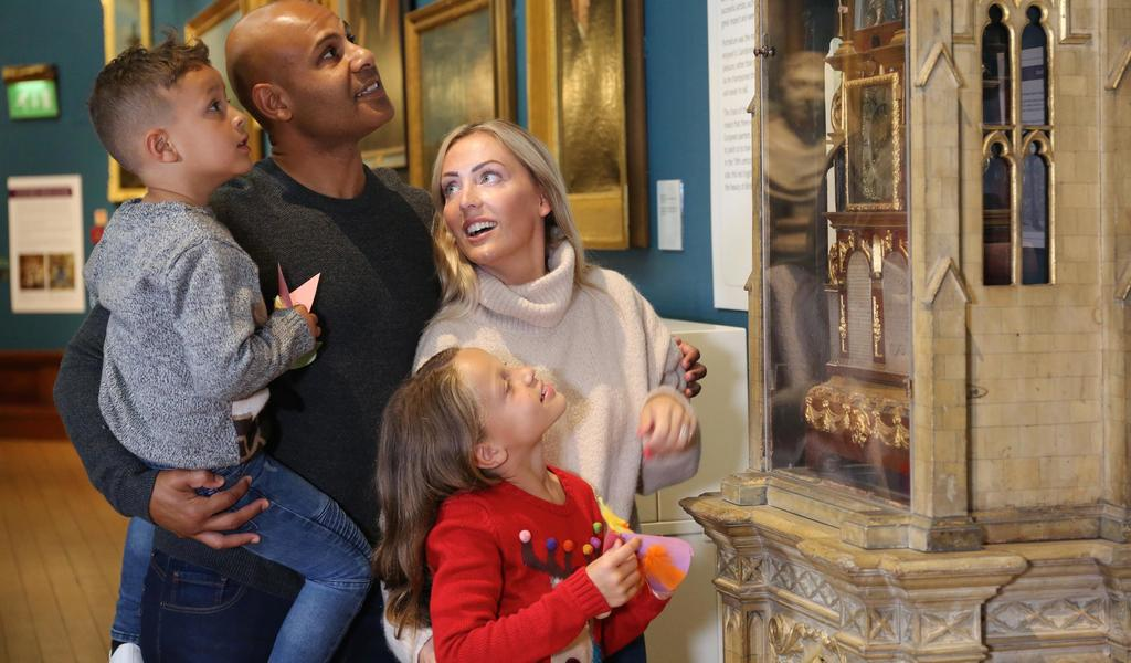 Image: A family visiting the Gallery