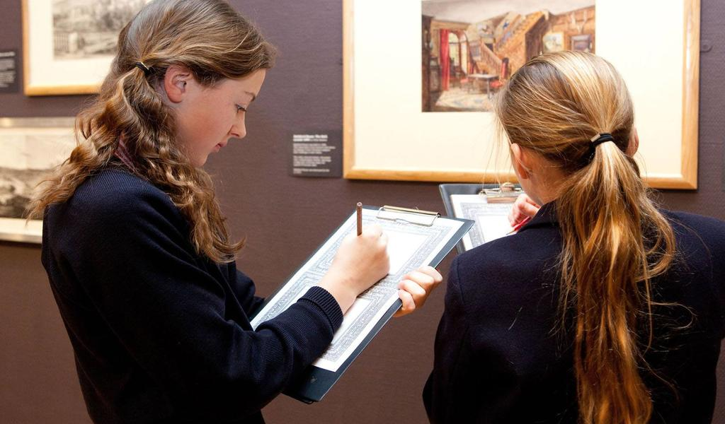 Image: Pupils sketching in the Gallery