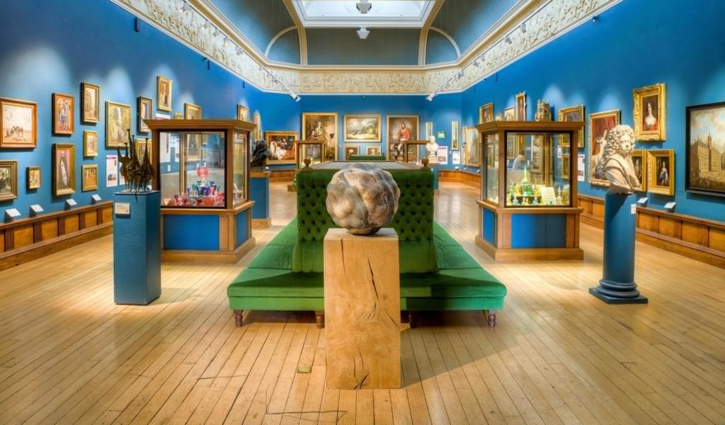 Image: The permanent collection in the Upper Gallery