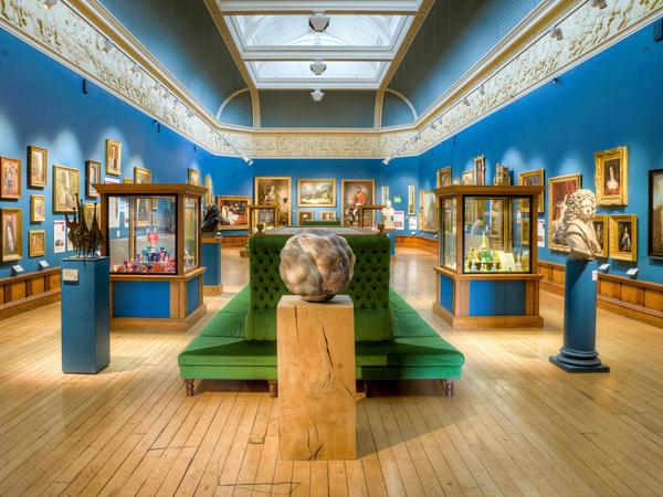 Image: Permanent collection in the Upper Gallery